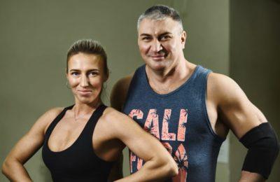 Зумба, стретчинг и йога в гамаках
